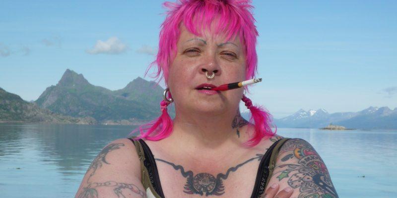 Mona Halvorsen i Lofoten der hun har kjøpt et nedlagt fiskebruk.